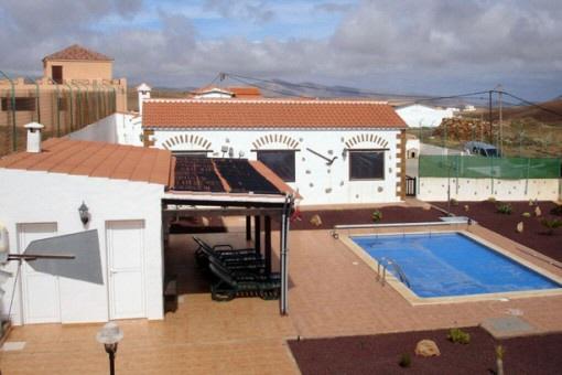 Rustikale Villa mit riesigem Grundstück