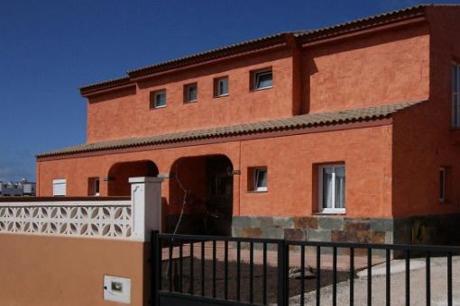 Modern ausgestattete Villa mit tollem Ausblick