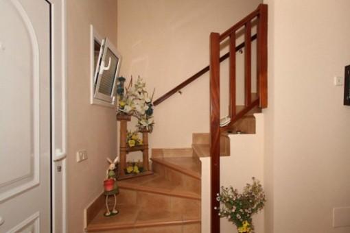Eingangsbereich mit Treppe ins Obergeschoss