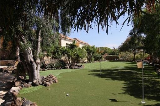 Garten mit Golfplatz