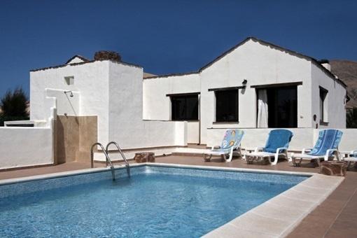 Geräumige Villa mit Pool nahe Corralejo
