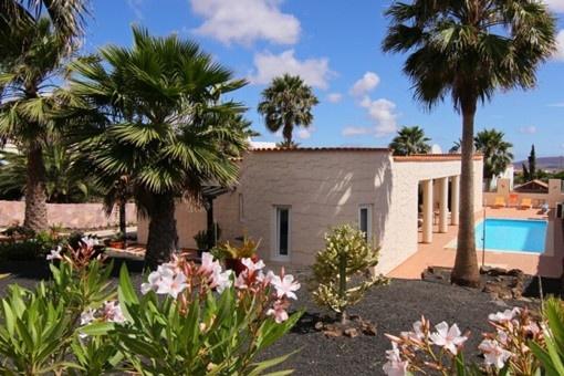 Wunderschöne Villa mit Garten und Pool in...
