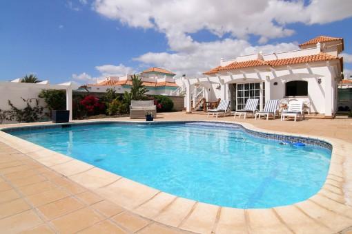 Hochwertige Villa mit Pool in Caleta de Fuste, Fuerteventura