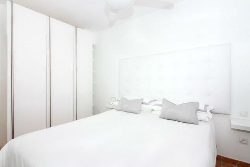 Eingebauter Kleiderschrank in Doppelschlafzimmer