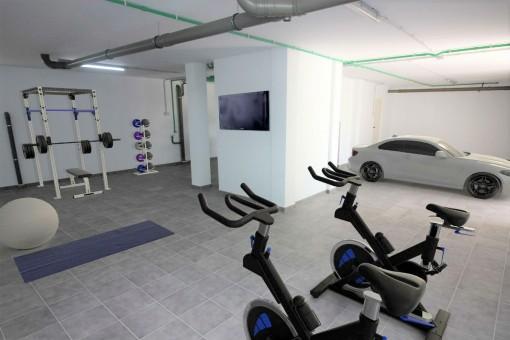 Fitnesskeller mit Garage
