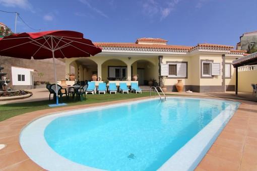 Hochwertiges Chalet mit Meerblick und Pool in El Salobre, Gran Canaria